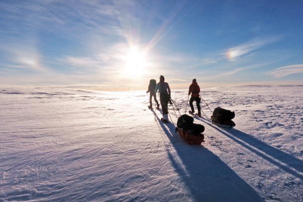 Unendliche Weiten: Schneeschuh-Hüttenwanderung